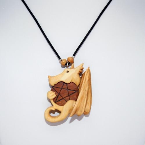 49- Collier Dragon et symbole du Pentacle en Olivier et Cerisier