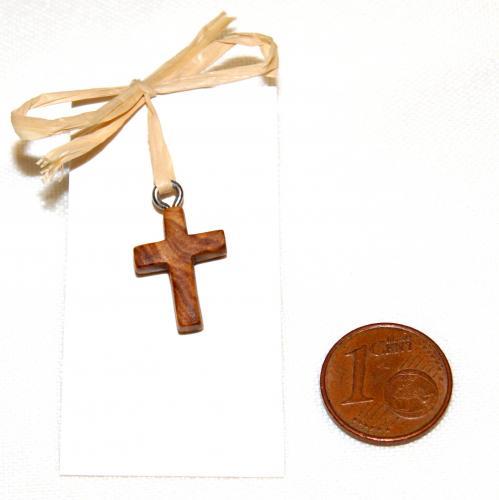 24- Pendentif croix en Olivier
