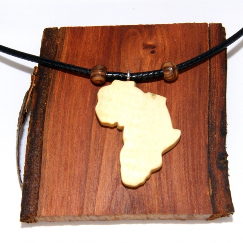 28- Collier terre d'Afrique en bois d'Oranger