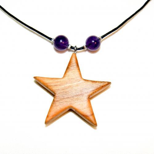 1- Collier étoile en Cerisier et perles d'Améthyste
