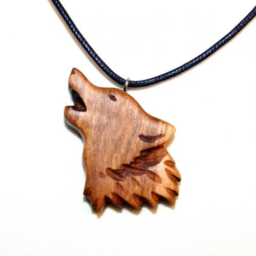 3- Collier tête de loup en Cerisier